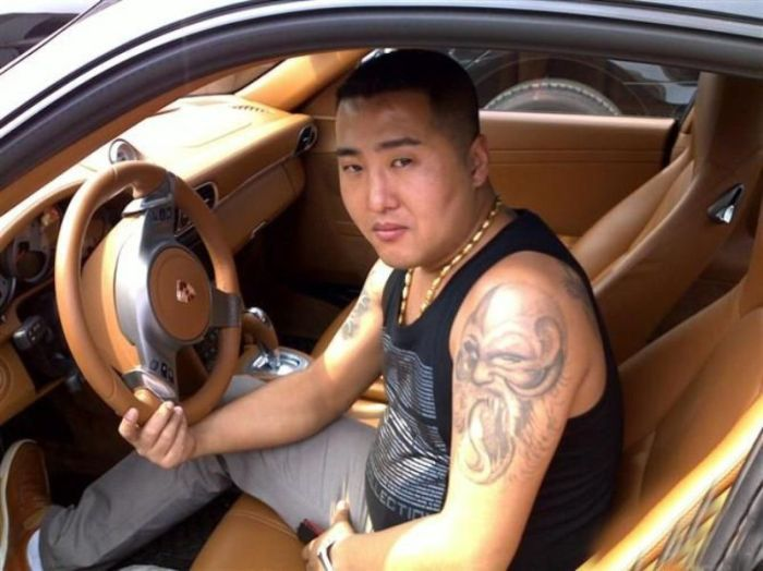 Photos of a chinese gangster are anonymously posted from for Chinese triad tattoo