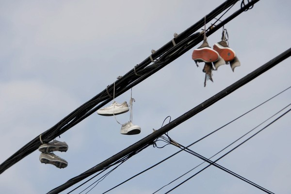 gang shoes telephone wire