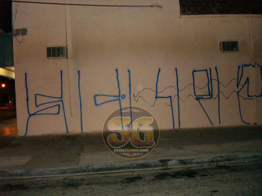 Florencia 13 in Hyde Park area of South Los Angeles | StreetGangs Com