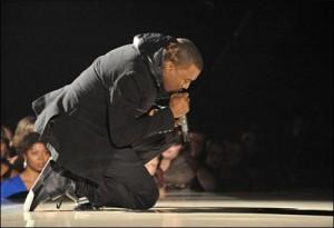 """70250e7b70743 Teen Shot Trying to Cut Line of Nike """"Yeezy"""" Customers"""