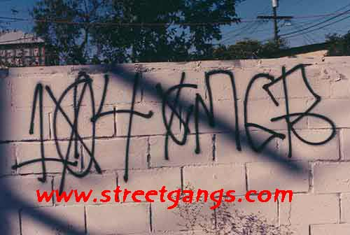 Crenshaw Mafia Gangster, CMG in Inglewood, CA | StreetGangs Com